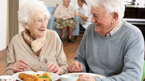 Emotional-eating-How-do-the-elderly-feel-about-food_strict_xxl_e5ae9.jpg