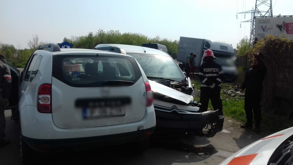 accident-sens-giratoriu_c006e.jpg