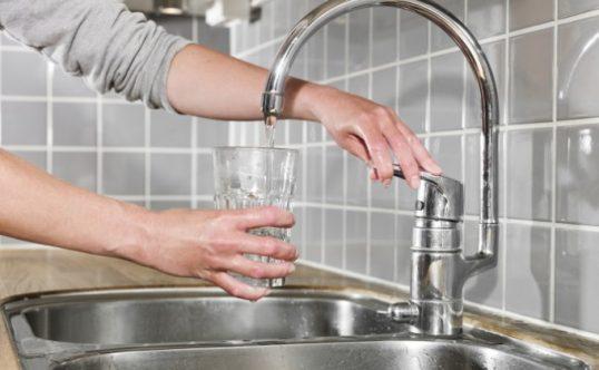 apa-de-la-robinet-538x332 (1).jpg