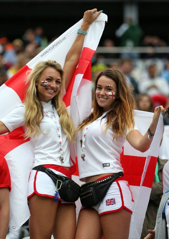 girls-of-the-match-19-uruguay-england.jpg