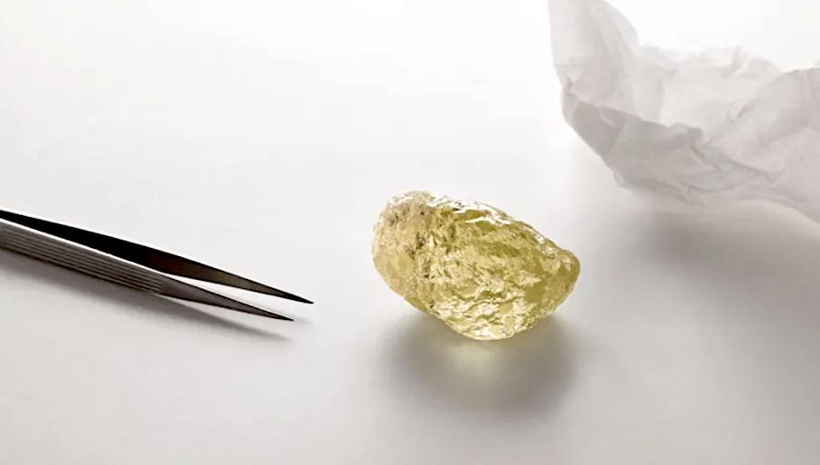 largest-diamond-north-america-found-canadas-diavik-mine.jpg