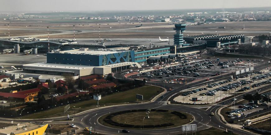 8510Henri_Coanda_International_Airport,_March_2013.jpg