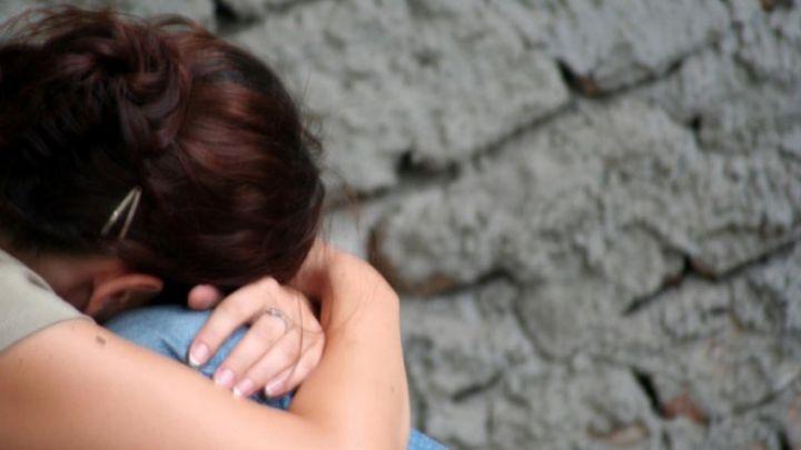 Procesul unui paramedic judecat în prezent sub control judiciar după ce, în septembrie 2014, ar fi agresat sexual două fetiţe de 9 şi 14 ani, iar pe altele două le-ar fi violat, în timp ce se aflau într-o tabără în Râşnov, nu a început încă, deşi agresorul a fost trimis în judecată în urmă cu un an.