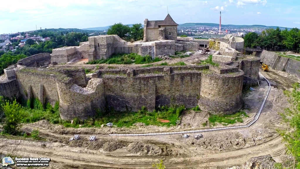 Cetatea-de-Scaun-a-Sucevei-1.jpg
