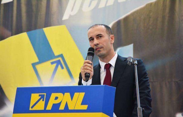 """Iulian Dumitrescu: """"PSD vrea să dea un tun de 88 de milioane de lei  la şedinţa de astăzi a Consiliului Județean"""""""
