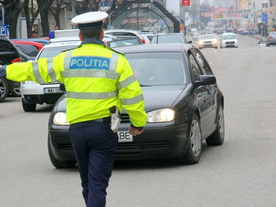 704613-1515447084-politia-rutiera-la-control-dupa-cazul-pedofilului-politist_d1287.jpg