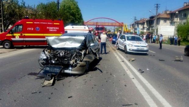 accident_pucheni_dn1_sase_victime_2_20008600_2bd47.jpg