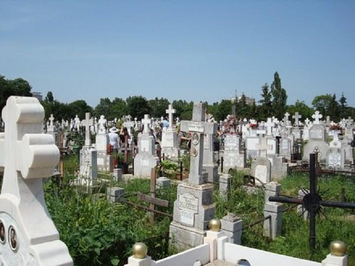 cimitire-ploiesti_40c45.jpg