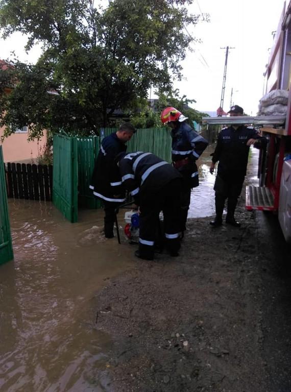 pompieri-interventie-isu-prahova_194bf.jpg