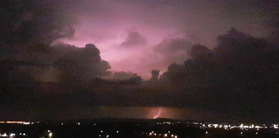 ploi-descarcari-electrice_22c25.jpg