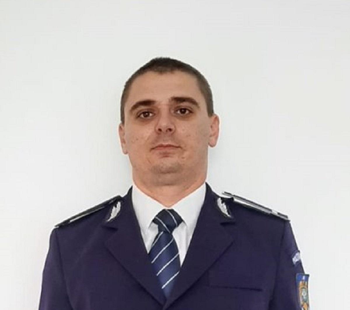 politistul-care-a-impiedicat-untanar-sa-se-arunce-de-pe-pod_2b79f.jpg