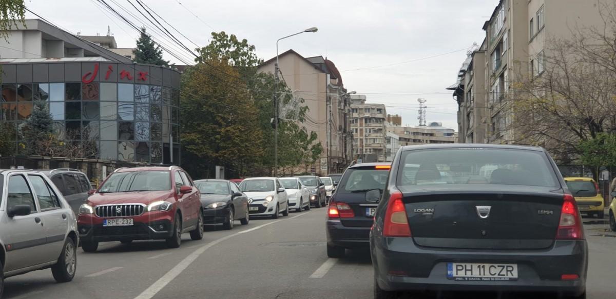 trafic-aglomerat-ploiesti-centru_e480b.jpg