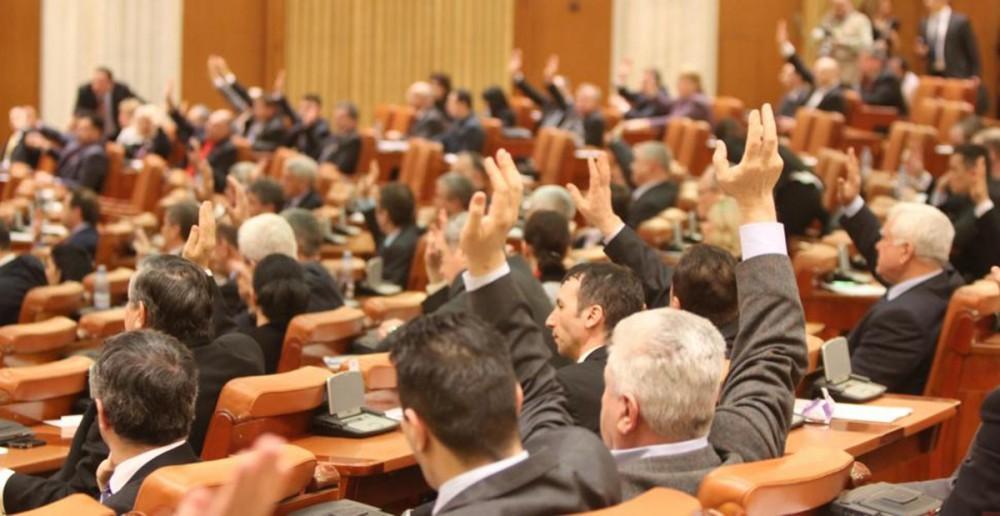 vot_parlamentari-e1449668272241_5bd67.jpg