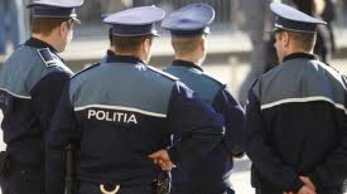 atentie-falsi-politisti-va-fura-banii-0_cb87a.jpg