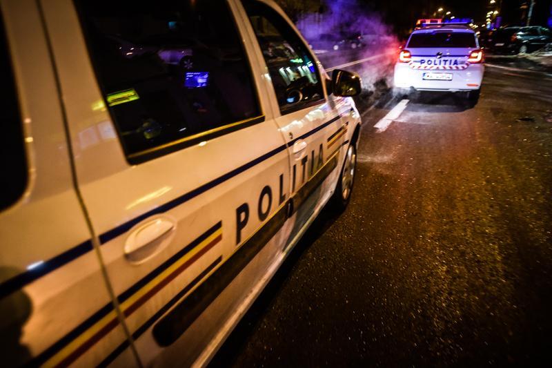 politie-masina-noaptea-politist-3_861f7.jpg
