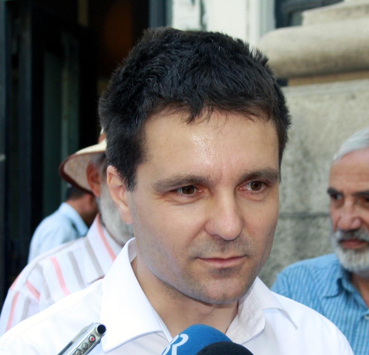 Nicușor_Dan_candidatura_bgiu_1cb2e.jpg