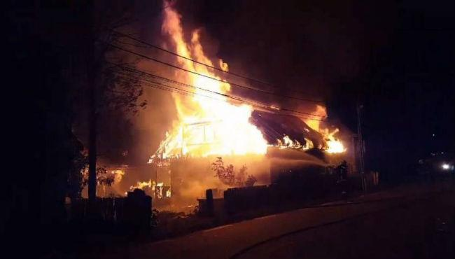 incendiu_casă_noaptea_e5246.jpg