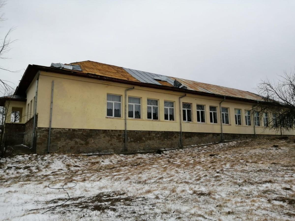 scoala-fara-acoperis_bf894.jpg