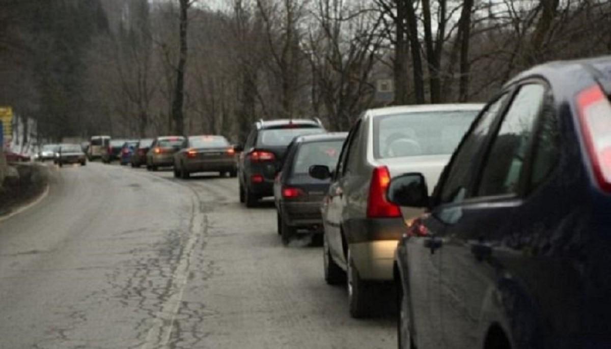 trafic-aglomerat-valea-prahovei_bdde5.jpg