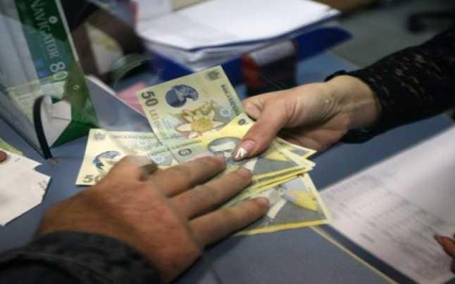 300.000 de pensionari vor primi tichete pentru o masă caldă