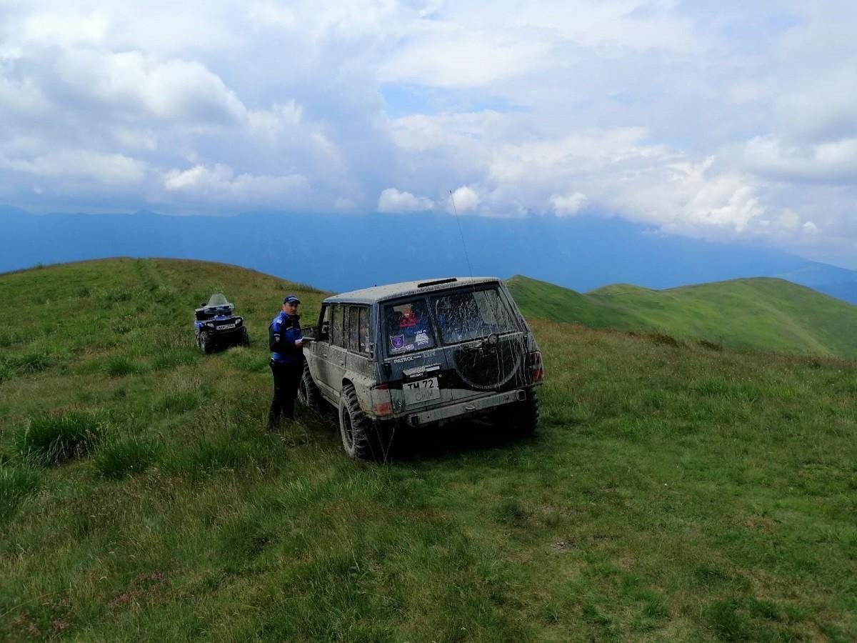 Amenzi aplicate de jandarmii montani prahoveni celor care au făcut offroad în golurile alpine