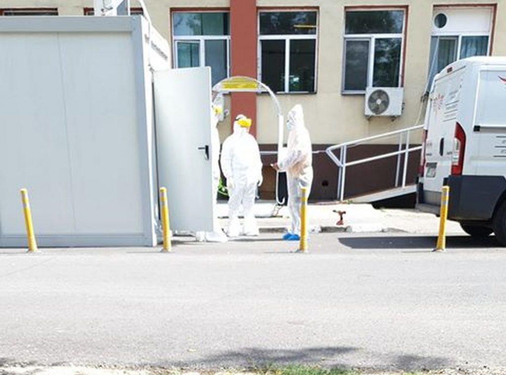 Tragedie la Iași. Un pacient cu Covid-19 s-a aruncat de la etajul 6 al unui spital