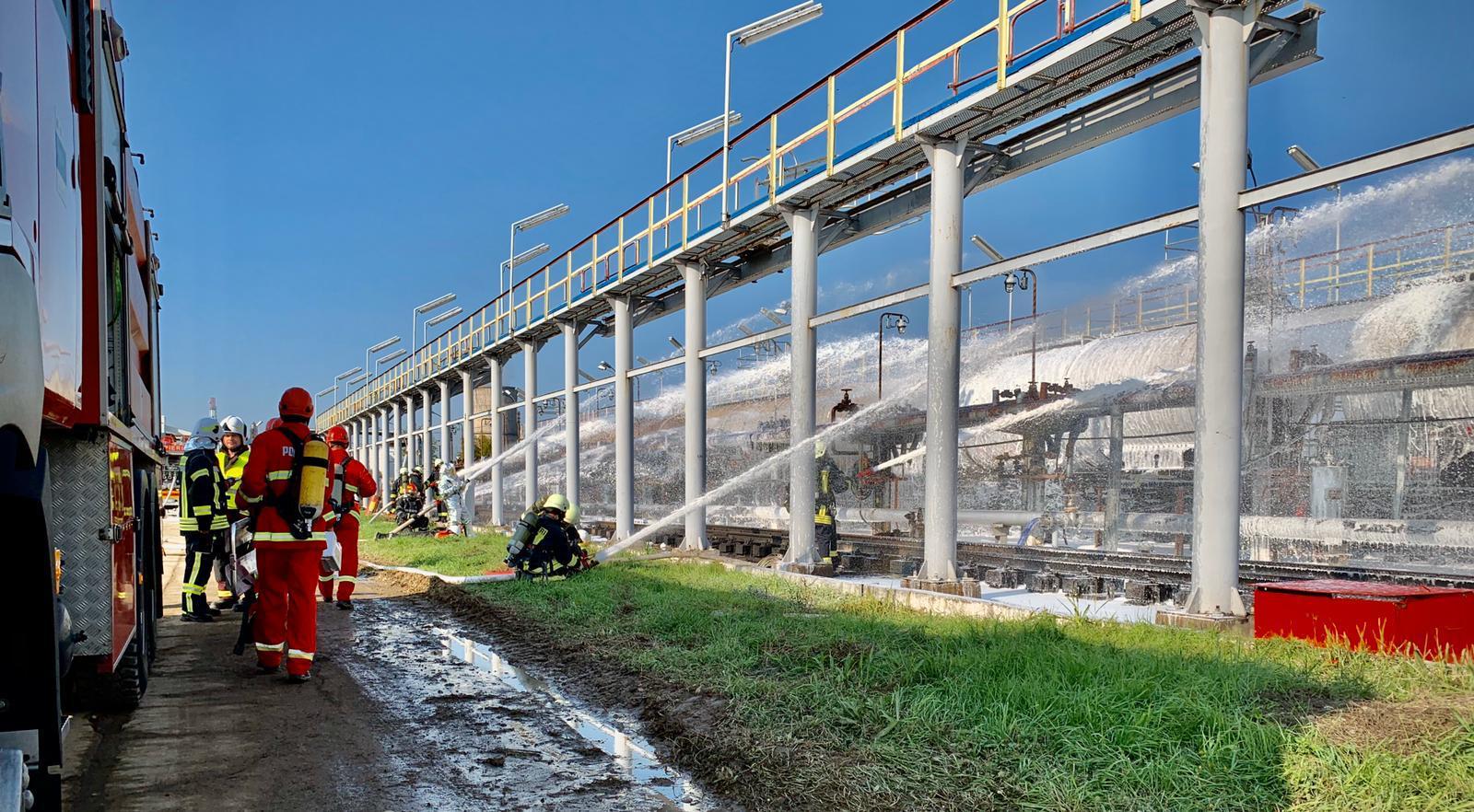 FOTO-VIDEO Simulare ISU accident la rafinăria Petrotel Lukoil