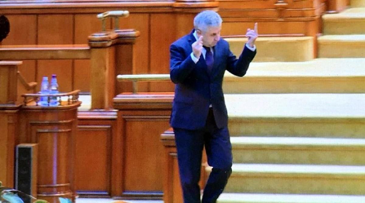 Mizeria politică a momentului: PSD își schimbă părul, dar pe Iordache… ba. PNL și USR, talk-show ca la ușa cortului
