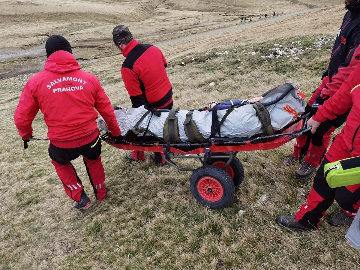 Operațiune de salvare în Munții Bucegi, după ce o tânără a căzut. Intervenție Salvamont Bușteni – FOTO