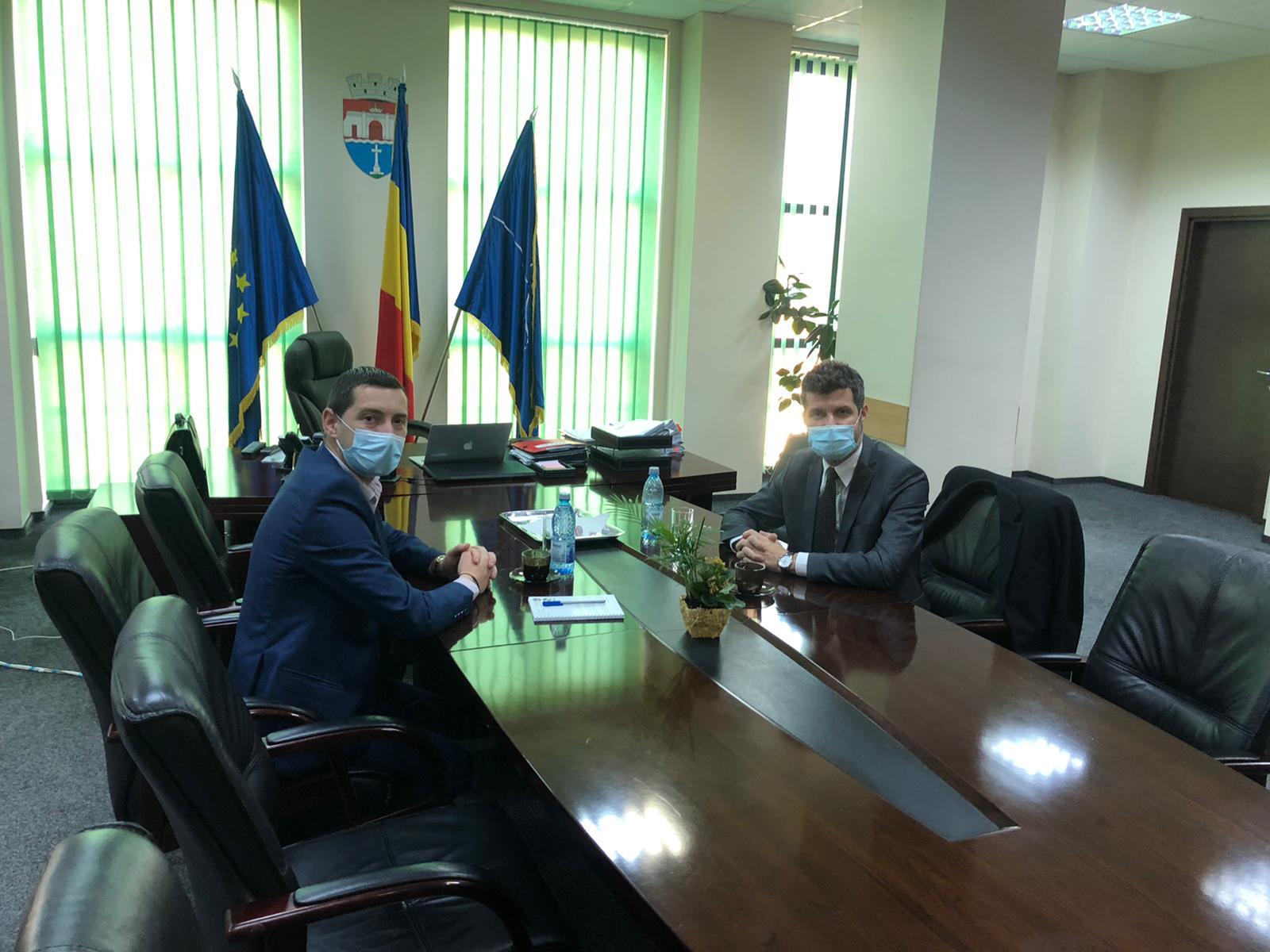 Cristian Ionescu, prefectul județului, vizită în localitățile cu rată mare de infectare cu COVID