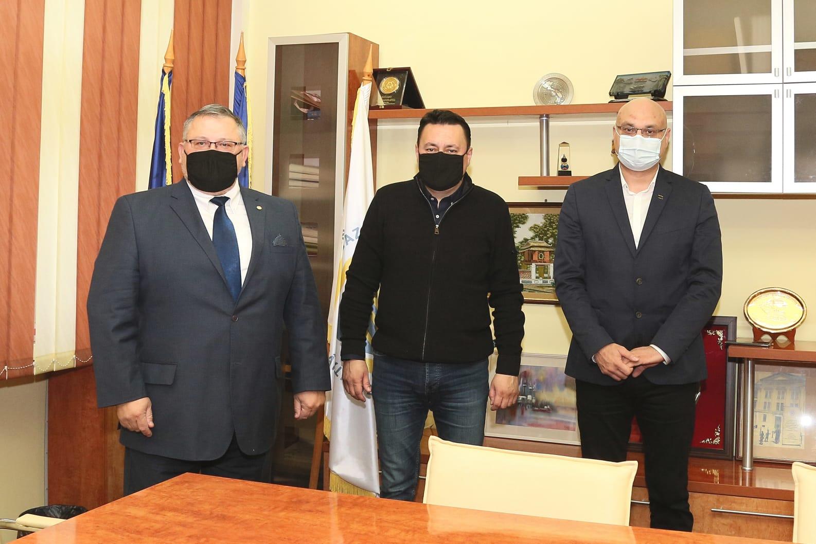 Primarul Ploieștiului, în vizită la UPG Ploiești: Ne dorim o colaborare pentru realizarea unui studiu cu privire la termia orașului – FOTO