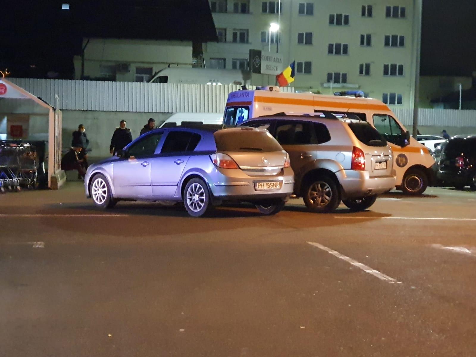 Accident în parcarea Kaufland Câmpina. Unul dintre șoferii implicați este rănit și a fost transportat la spital