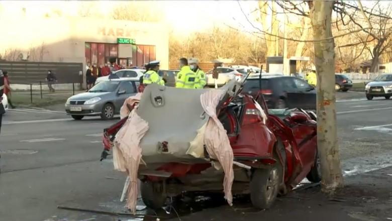 Patru răniți grav într-un accident în București