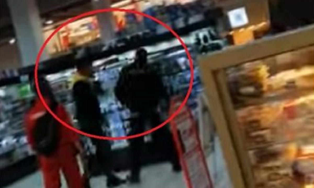 Ce măsuri a luat Poliția după ce un client fără mască a scuipat și lovit un agent de pază din Big Sud