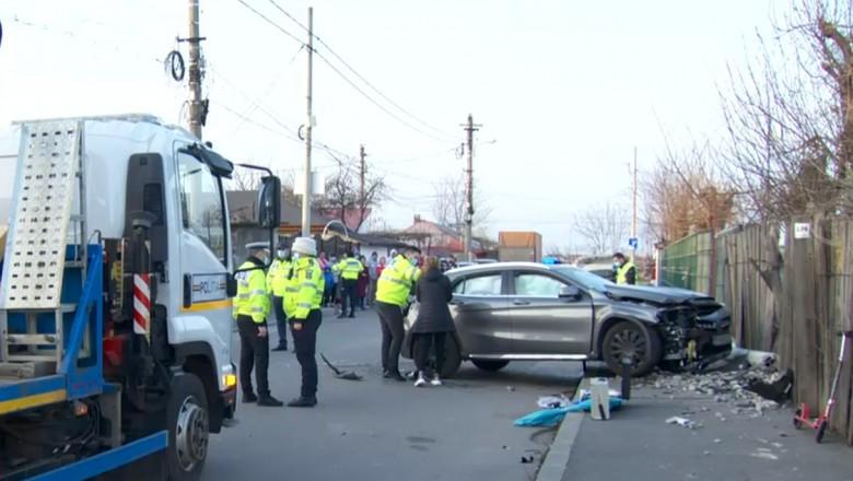 Doi copii au murit în București după ce o șoferiță cu un Mercedes i-a lovit pe trotuar