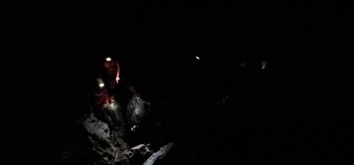 Operațiune de salvare dificilă în Bucegi. Un bărbat a rămas blocat pe Jepii Mici