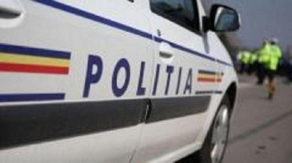 Accident pe Centura de Vest a Ploieștiului. O autobasculantă cu nisip și un auto au intrat în coliziune
