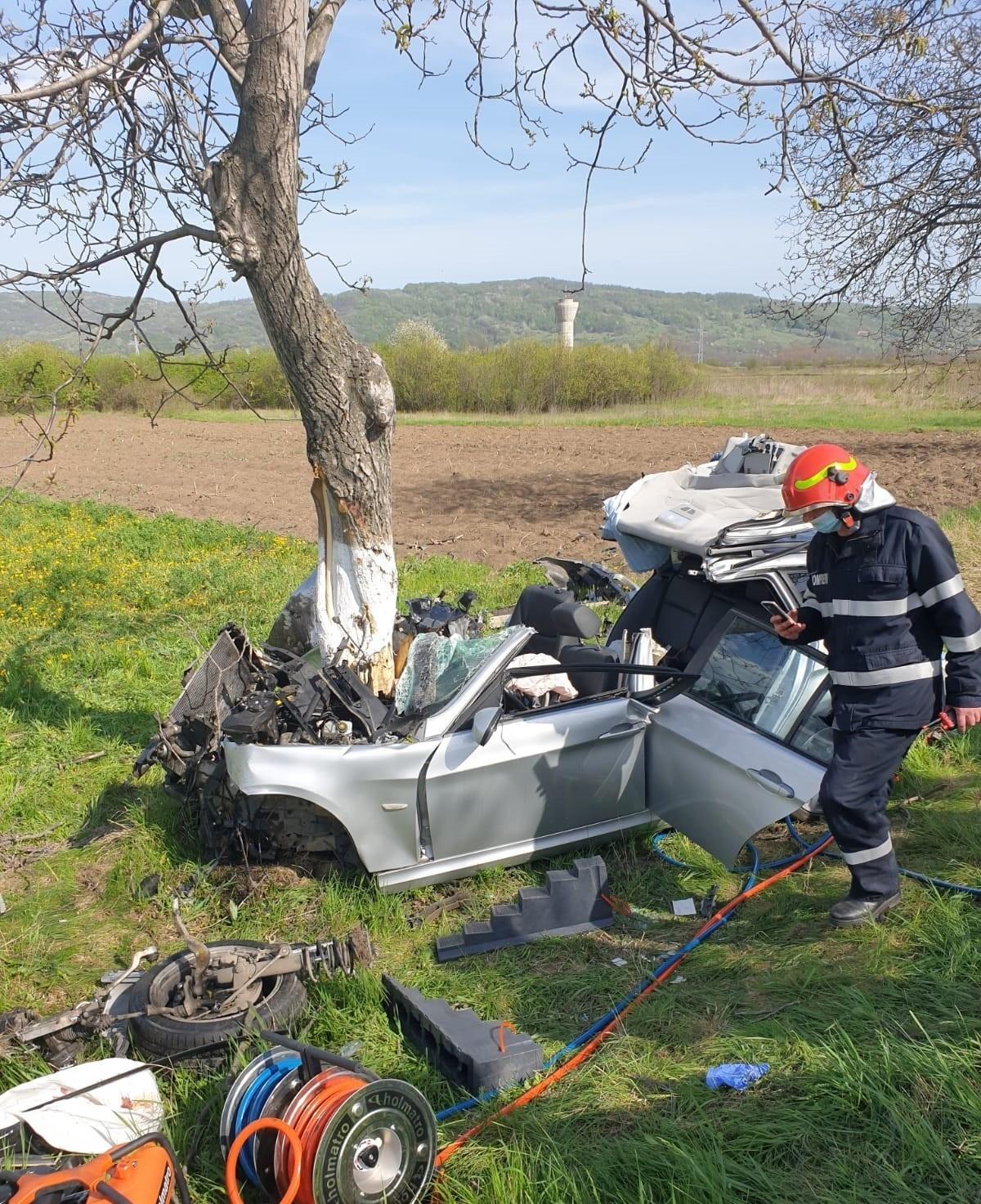 Încă un bărbat, victimă în accidentul produs de Paște pe DN1A, la Teișani, a murit. Un alt tânăr este în comă la ATI
