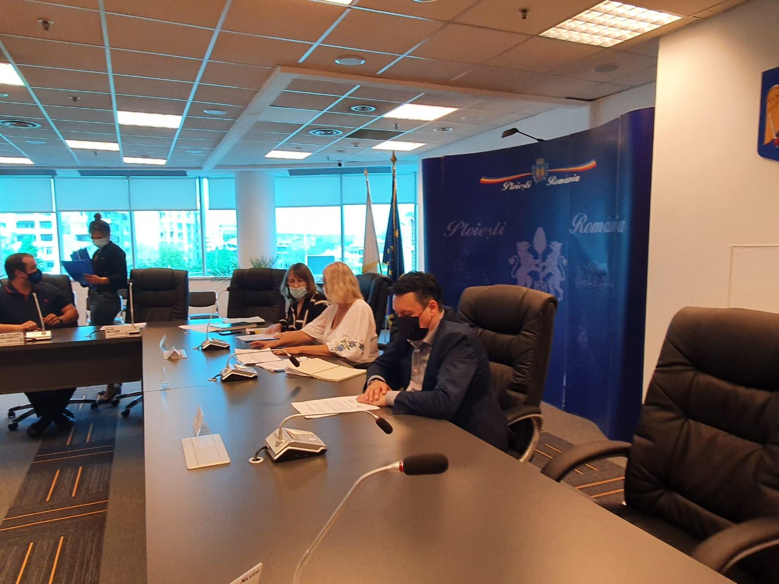 """Primarul Ploieștiului, Andrei Volosevici, pe tema crizei gunoaielor: """"Prefectura Prahova a fost notificată cu privire la cererea declarării stării de alertă""""!"""