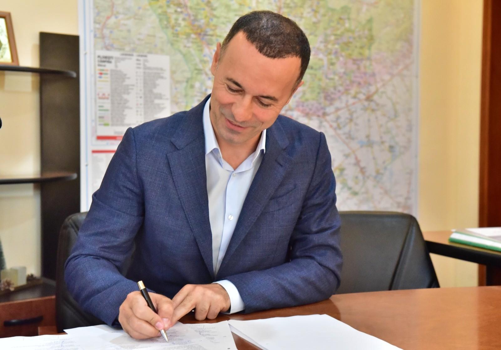 A fost făcut primul pas pentru executarea în regim de urgență a șoselei de centură Bușteni-Azuga