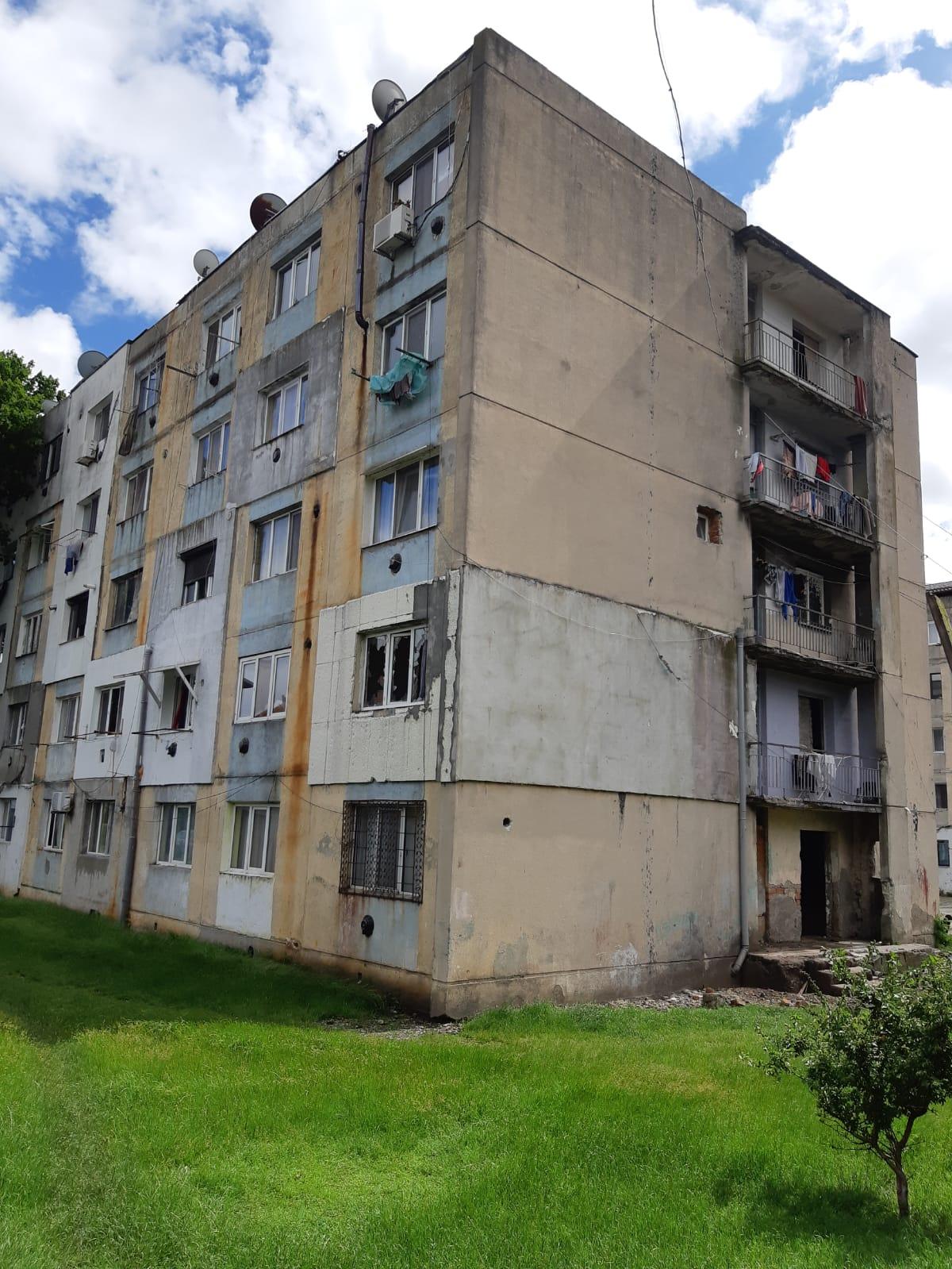 Proiectul privind achiziționarea de locuințe sociale la Florești, respins de PSD și Asociația Partida Romilor Pro Europa. Edilul șef, Simona David, susține necesitatea cumpărării acestor camere