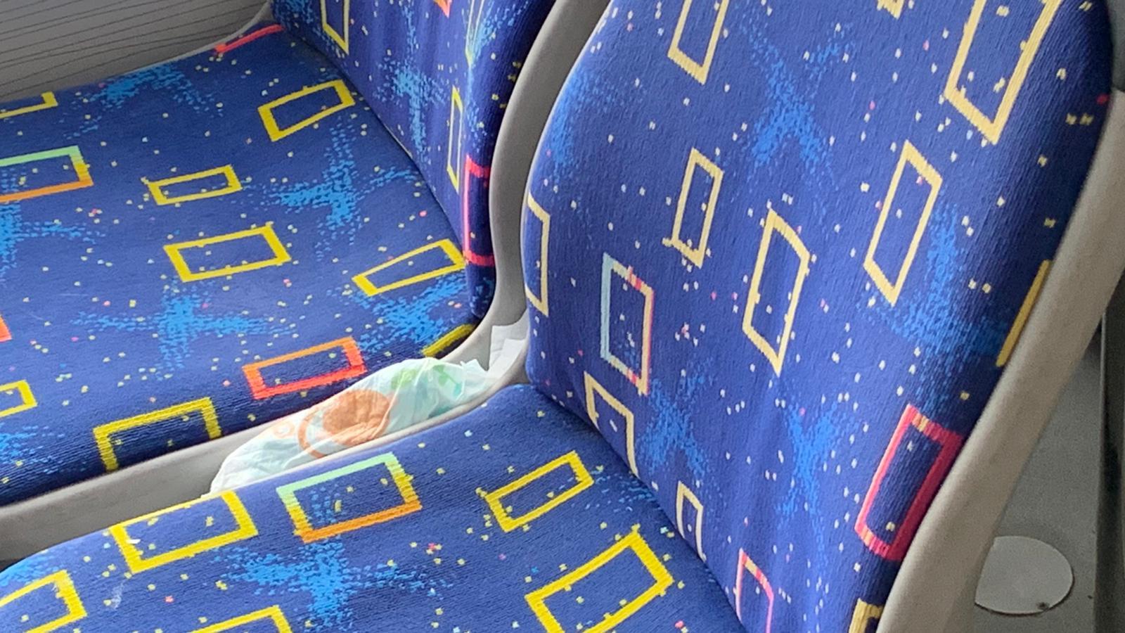 Se face treabă bună la Ploiești! Pampersul din autobuzul 30 stârnește reacții pe Facebook din partea cetățenilor cu spirit civic