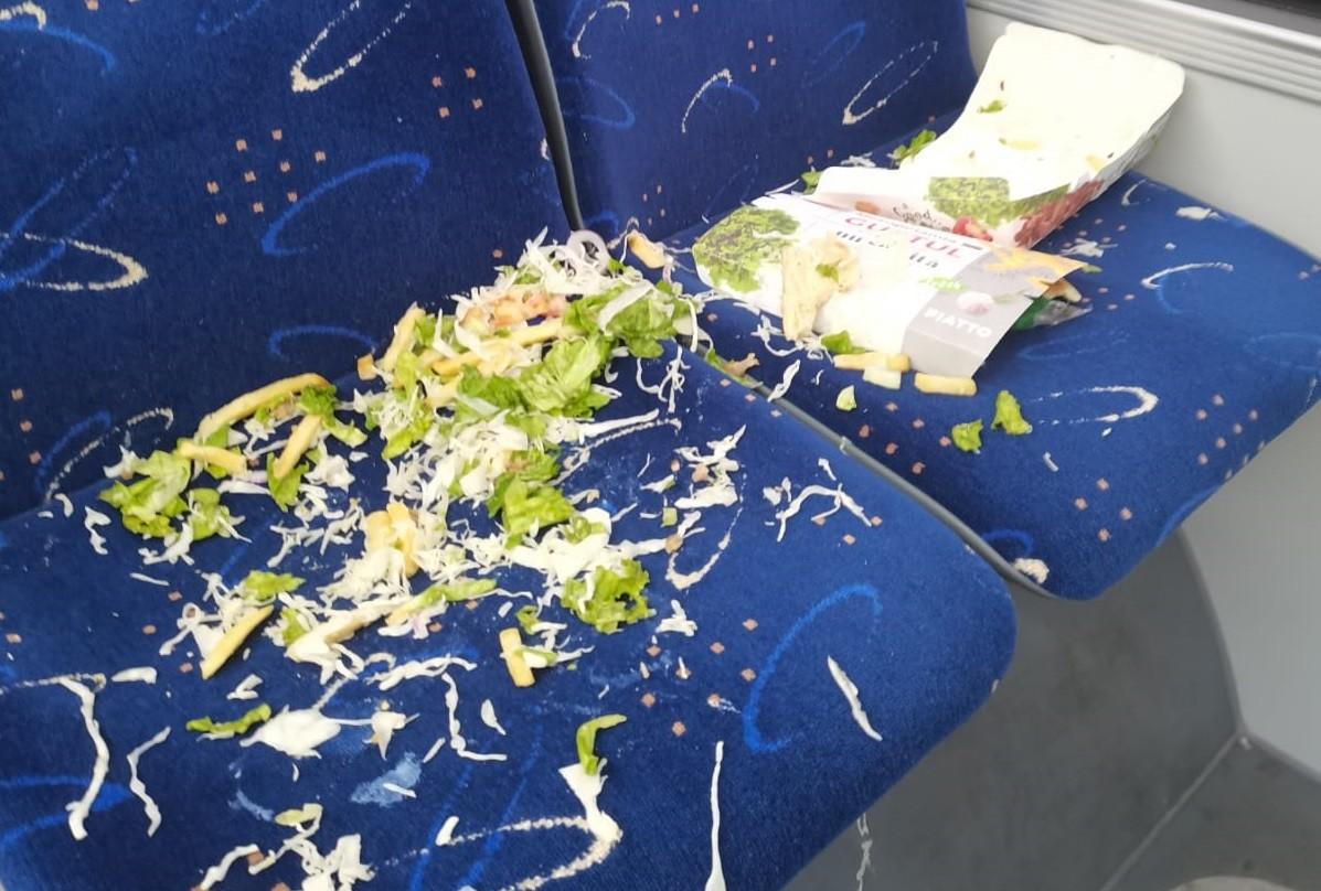TCE Ploiești a lansat un nou serviciu – TRANSPORT ANIMALE??? Serviciul a fost inaugurat de un BOU