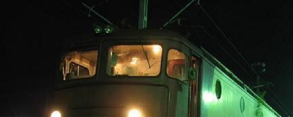 Accident feroviar între stațiile CF Comarnic și Valea Largă. Un bărbat cu domiciliul în Italia a fost lovit de locomotiva unui tren de călători